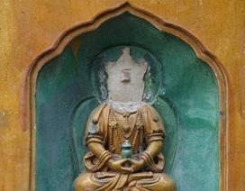 Tượng Phật trong Di Hòa Viên bất ngờ bị… mất đầu