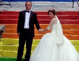 Câu chuyện cầu thang rực rỡ như cầu vồng ở Thổ Nhĩ Kỳ