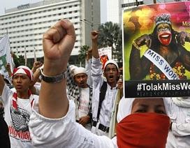"""Hoa hậu Thế giới 2013 bị tín đồ đạo Hồi """"khủng bố"""""""