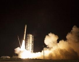 Hoa Kỳ phóng tàu vũ trụ không người lái thám hiểm Mặt trăng