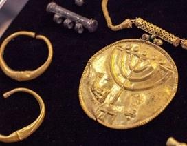 Tìm thấy nhiều cổ vật bằng vàng ròng
