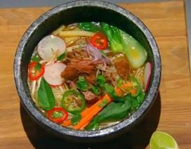 """Hủ tiếu Việt Nam trở thành """"đề bài"""" trong cuộc thi Vua đầu bếp Mỹ"""