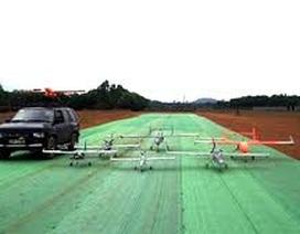 Dùng máy bay không người lái để kiểm soát cỏ dại