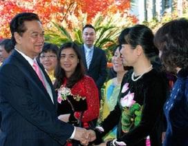 Thủ tướng Nguyễn Tấn Dũng gặp cộng đồng người Việt Nam tại Nhật Bản