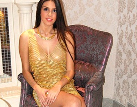 Ngắm chiếc váy bằng vàng ròng đắt hàng đầu năm mới