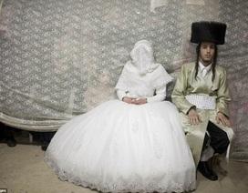 Hình ảnh khác lạ về lễ cưới truyền thống của người Do Thái