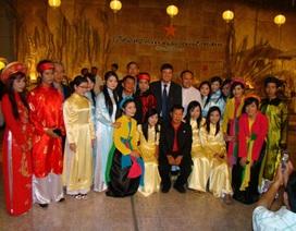 Lớp học tiếng Việt đầu tiên trên thành phố đá quý