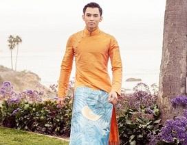 Nam vương người Mỹ gốc Việt nam tính trong trang phục truyền thống