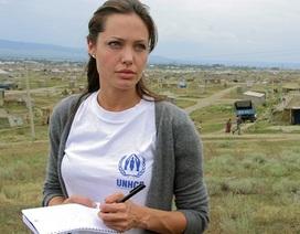 Angelina Jolie ngăn chặn bạo lực tình dục ở Bosnia