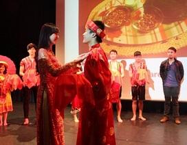 Người Việt trẻ quảng bá văn hóa trên đất Anh