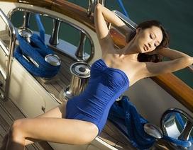 Huyền Trang quyến rũ trên du thuyền