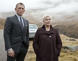 """Địa điểm quay phim James Bond bị rác thải """"nhấn chìm"""""""