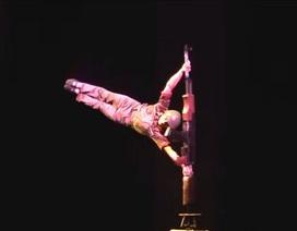 Kinh ngạc sự điêu luyện của một tiết mục múa