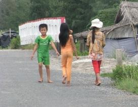 """Các hoạt động """"vì trẻ em"""" cần quan tâm đến trẻ em nghèo"""