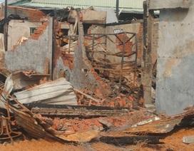 Vụ cháy 12 căn nhà: Tất cả tài sản đã bay theo hơi khói!
