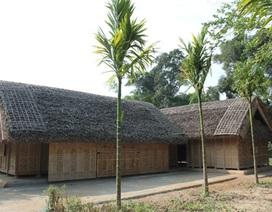 Phục dựng 3 căn nhà hàng xóm của Bác Hồ