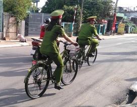 Người dân ấn tượng với hình ảnh cảnh sát tuần tra bằng xe đạp
