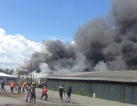 Khống chế khói lửa bùng cháy dữ dội ở KCX Linh Trung 2