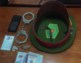 Giả cảnh sát hình sự, cưỡng đoạt tài sản tiệm massage