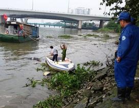 Phát hiện thi thể đeo ba lô đầy đá trôi trên sông Sài Gòn