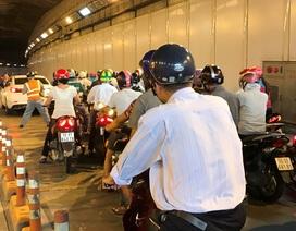 Tài xế Mazda 6 gây náo loạn hầm vượt sông Sài Gòn