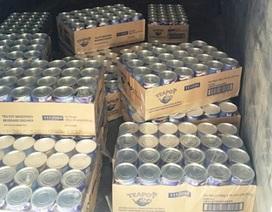 Bắt giữ xe ôtô vận chuyển hơn 2000 hộp sữa lậu