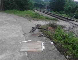 Nhảy khỏi ô tô khi đối mặt tàu hỏa, một người tử vong