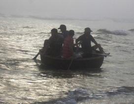 Sóng đánh lật thuyền, một ngư dân tử vong