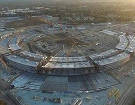"""Toàn cảnh đại công trường trụ sở """"hình phi thuyền"""" của Apple nhìn từ trên cao"""