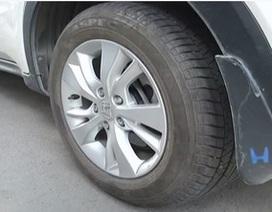 Màn lấy cắp lốp xe khó hiểu