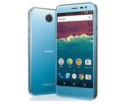 LG và Sharp đồng loạt ra mắt smartphone tầm trung