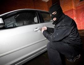 Thuê xe, bán xe rồi lấy cắp lại xe chỉ trong vòng một đêm