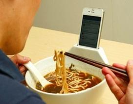 Người dùng mất bao nhiêu thời gian để nhìn vào smartphone mỗi ngày?