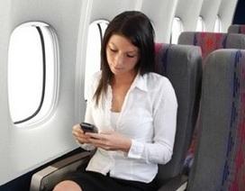 Đánh rơi điện thoại trên máy bay nguy hiểm hơn bạn nghĩ