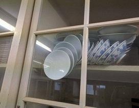Bức ảnh về tủ bát đĩa khiến cộng đồng mạng đau đầu tranh luận