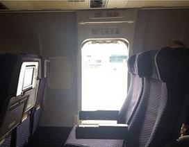 Nữ hành khách đột ngột mở cửa thoát hiểm để nhảy khỏi máy bay