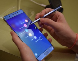 """Máy bay suýt phải chuyển hướng vì hành khách đặt tên mạng Wi-Fi là """"Galaxy Note7"""""""