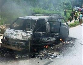 Xe mới mua bốc cháy trên đường đi sửa chữa