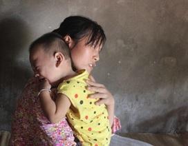 Mẹ đau đớn sinh hai con đều bị bại não