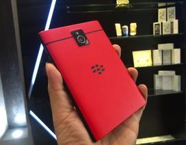 Đập hộp Blackberry Passport màu đỏ đầu tiên tại Việt Nam