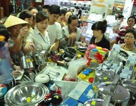 """Chen lấn mua hàng giảm giá trong ngày """"Black Friday"""""""