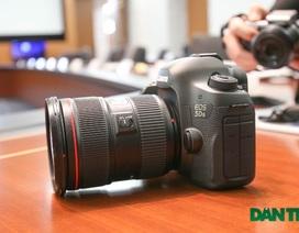 """Canon ra mắt bộ đôi DSLR """"khủng"""" 5DS và 5DSR"""