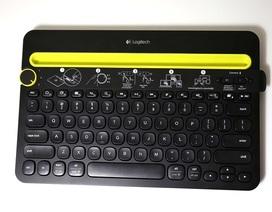 Cận cảnh bàn phím không dây có thể kết nối 3 thiết bị cùng lúc