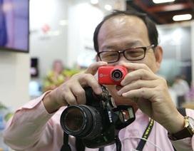 """Cận cảnh chiếc máy ảnh """"tí hon"""" HP Mini Wifi Cam LC200W"""