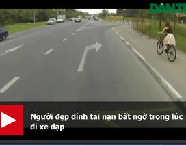 """Clip """"xe điên tông cùng lúc hai người đi xe máy"""" nổi bật Internet tuần qua"""