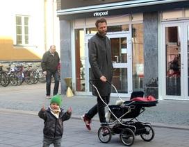 """Đàn ông Thụy Điển:  """"Giúp vợ việc nhà, chăm con là điều hạnh phúc"""""""