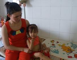 Thương bé 2 tuổi bị ung thư bạch cầu cấp dòng tủy