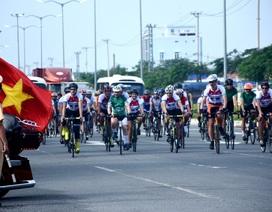 Đại sứ Anh đạp xe cùng lãnh đạo Đà Nẵng