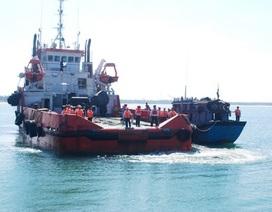 Cảnh sát biển cứu 8 ngư dân trôi dạt trên biển