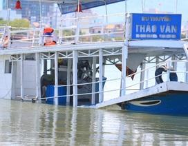 Cận cảnh con tàu lật trên sông Hàn khiến 3 người thiệt mạng